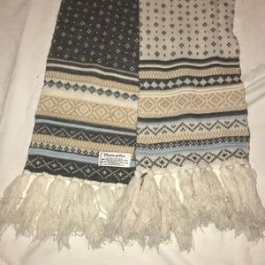 2/$10 Reversible Thick Scarf